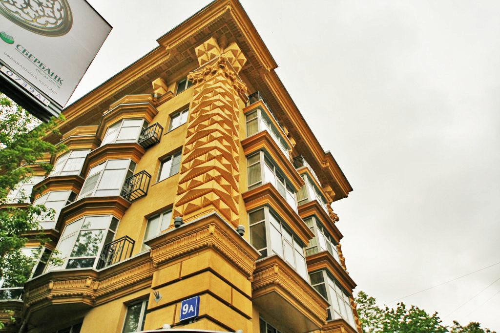 архитектурный фасад, меж этажный карниз сз стеклофибробетона