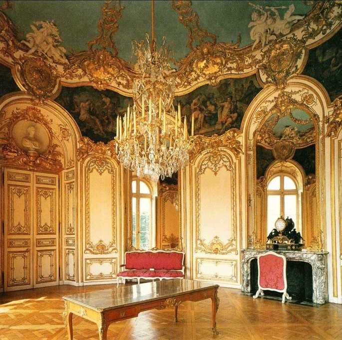 Декоративные элементы в стиле рококо